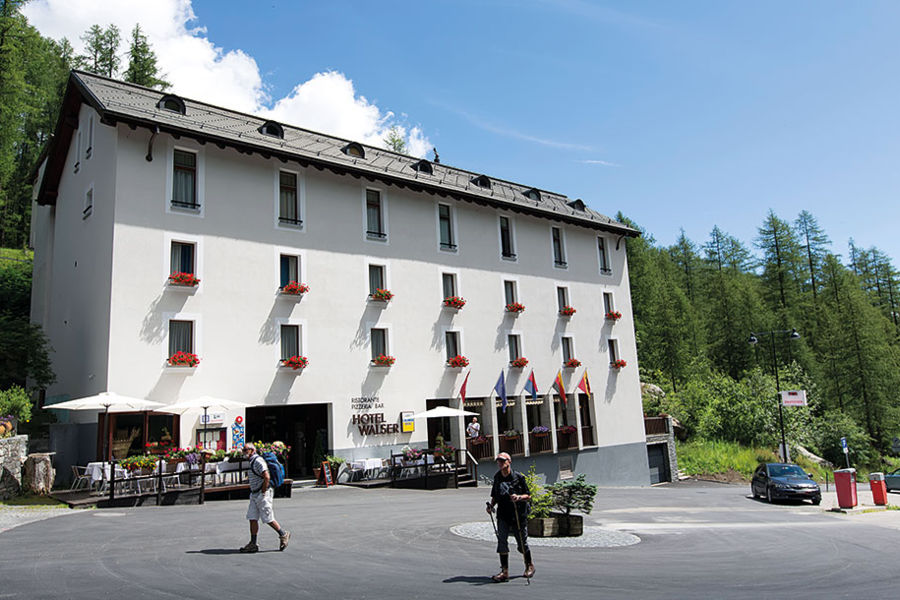 Hotel panoramique 3 a sarre daydreams for Design hotel valle d aosta